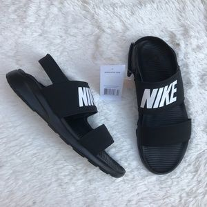 Nike Wmns Tanjun Sandals